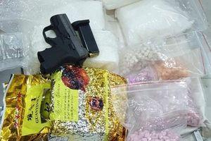Triệt xóa đường dây vận chuyển ma túy trang bị vũ khí xuyên quốc gia