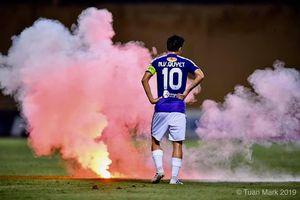 Hà Nội – Nam Định (6-1): mưa bàn thắng và pháo sáng khiến một cổ động viên phải cấp cứu