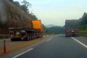Container đi ngược chiều, 'phóng như bay' trên cao tốc Nội Bài - Lào Cai bị phạt thế nào?