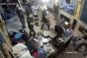 Bắt thêm nghi phạm cầm đầu nhóm giang hồ đập phá nhà hàng ở Sài Gòn