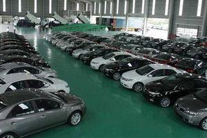 Ô tô nguyên chiếc nhập khẩu tăng 'đột biến'