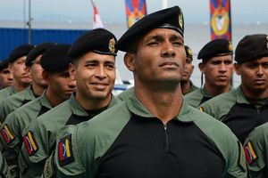 Venezuela tập trận ngay sát biên giới Colombia