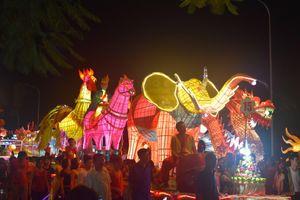 Náo nức chuẩn bị mô hình đèn Trung thu cho Lễ hội Thành Tuyên 2019