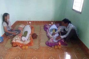 Trốn chị gái ra ao tắm, hai đứa trẻ chết đuối thương tâm