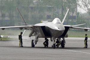 Tiêm kích tàng hình J-20 Trung Quốc bị tố sao chép F-35 Mỹ