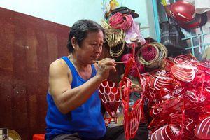 Còn ai làm lồng đèn truyền thống ở làng nghề Phú Bình?