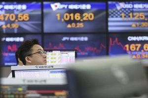 Chứng khoán châu Á tăng điểm sau khi ông Trump bất ngờ hoãn tăng thuế hàng hóa Trung Quốc
