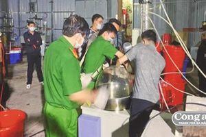 Triệt phá xưởng sản xuất ma túy cực khủng do người Trung Quốc điều hành