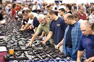 Mỹ: Đảng Dân chủ thúc đẩy dự luật kiểm soát súng đạn mới