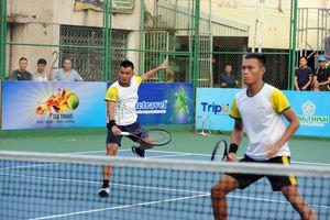 Giải quần vợt VTF Masters 500 - Lạch Tray: 'Vua đánh đôi' Lê Quốc Khánh lâm nguy