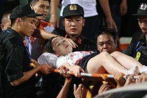 Fan nữ trúng pháo sáng CĐV Nam Định: Bỏng hóa chất nguy hiểm thế nào?
