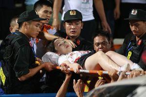 Fan nữ trúng pháo sáng CĐV Nam Định: VFF có 'động thái' gì?