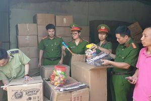 Bộ Công an bắt giữ 50 tấn bánh kẹo, đồ chơi trung thu nhập lậu từ Trung Quốc