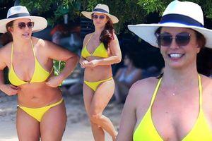 Britney Spears béo ú, xồ xề khi diện bikini màu chóe tung tăng ở Hawaii