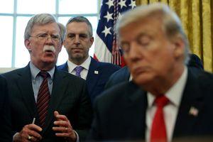 Hé lộ mâu thuẫn 'đỉnh điểm' giữa TT Trump và cố vấn an ninh Bolton