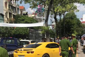 Nóng: Cảnh sát dùng súng đập vỡ kính, truy đuổi 'siêu xe' như phim hành động tại Quảng Ninh