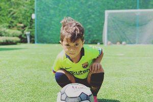 Con trai 4 tuổi của Messi thể hiện bản năng ghi bàn không thua gì cha