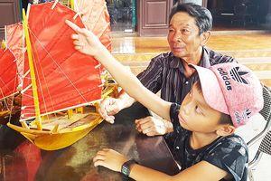Chuyện người thợ già giữ nghề đóng thuyền buồm ba vát