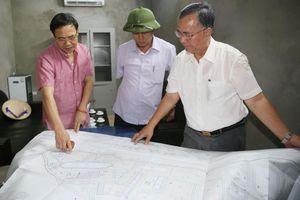 Phó Chủ tịch Thường trực UBND tỉnh kiểm tra hoạt động của Nhà máy rác Khe Giang