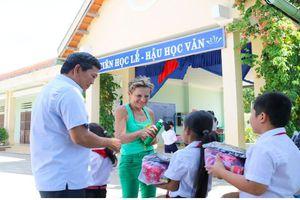 Tổ chức 'Susann's Help for children': Đến Khánh Hòa trao 1.196 suất quà cho trẻ khó khăn
