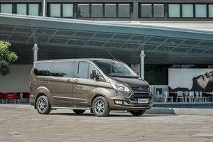 Ford Tourneo chốt giá từ 990 triệu đồng tại Việt Nam