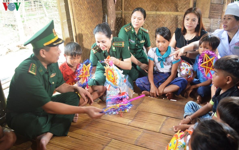 Trung thu nơi biên cương của trẻ em vùng lũ Quảng Bình