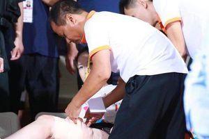 Nữ nhà báo bị thương vì pháo sáng trên sân Hàng Đẫy: Phẫu thuật rồi vẫn phải ghép vùng da đùi bị mất