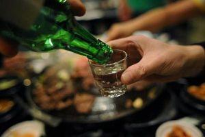 Đề xuất cấm uống rượu, bia tại trụ sở cơ quan Nhà nước