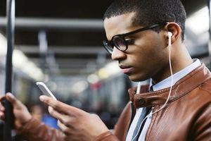 Samsung thừa nhận Apple đã đúng khi 'khai tử' giắc cắm tai nghe
