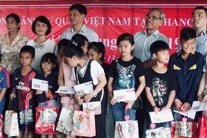 Thiếu nhi Việt kiều Campuchia vui Tết Trung thu