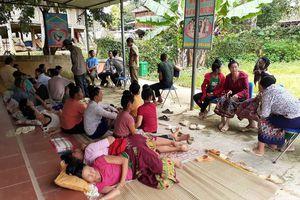 Vụ hơn 100 người nghi ngộ độc ở Điện Biên: 92 người được mời đến trạm y tế để 'trấn an'?