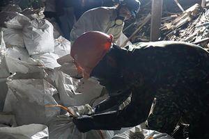 Quân đội lập sở chỉ huy xử lý hiện trường vụ cháy Công ty Rạng Đông