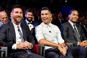 Messi bất ngờ nhận lời mời ăn tối với C.Ronaldo!