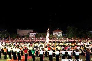 Yên Bái dừng đăng ký hồ sơ kỷ lục Guinness Thế giới cho màn đại xòe