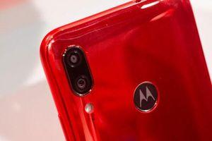 Ảnh chi tiết smartphone chống nước, camera kép, giá 3,57 triệu