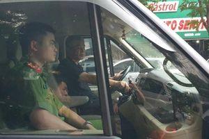 Tài xế Phiến đã 'bỏ quên' học sinh trường Gateway trên xe đưa đón thế nào?