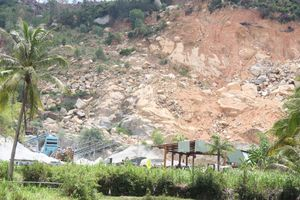 Hoài Nhơn - Bình Định: Người dân bất an trước nạn nổ mìn phá đá như 'phá nhà'