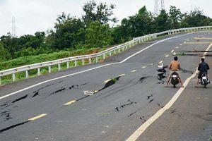 Đường tránh Chư Sê bị sụt lún nghiêm trọng: Tạm dừng công tác 2 cá nhân