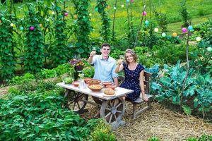 Cặp đôi sống hạnh phúc và tự túc nhờ trồng rau, làm vườn ở ngoại ô sau tốt nghiệp đại học