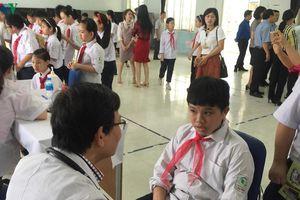 Vụ cháy Rạng Đông: Kiểm tra sức khỏe hàng nghìn học sinh ở Hạ Đình