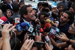 Guaido chụp ảnh với băng đảng ma túy Colombia, Venezuela sẽ điều tra
