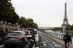 Đình công lớn kỷ lục, đường phố Paris ùn tắc hơn 380 km