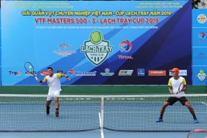 'Vua đánh đôi' Lê Quốc Khánh đăng quang giải quần vợt VTF Lạch Tray cùng Minh Tuấn