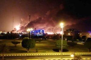 Máy bay không người gây hỏa hoạn lớn tại 2 cơ sở dầu mỏ của Ả rập xê út?