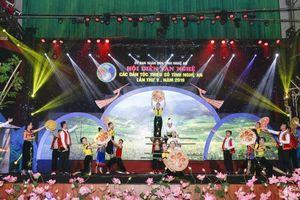 Chú trọng tập hợp, đoàn kết đội ngũ sáng tác văn học nghệ thuật các dân tộc thiểu số tại Nghệ An