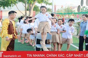 Học sinh iSchool Hà Tĩnh 'Chào năm học mới - vui hội trăng rằm'