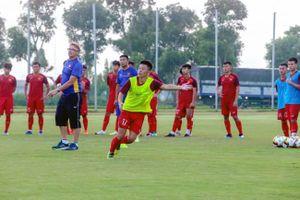 HLV Philippe Troussier và ngày đầu tập luyện cùng U.19 Việt Nam