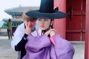 'Em gái mưa' Kim So Hyun khoe tạo hình giả nam đáng yêu