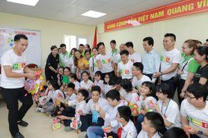 Tặng quà Trung thu tới hơn 800 trẻ em có hoàn cảnh đặc biệt