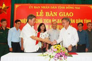 Bàn giao nhiệm vụ Chủ tịch UBND tỉnh, nhiệm kỳ 2016 - 2021